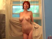 Zoey Nixon Is Short Haired Redhead